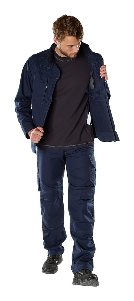 Jacket, Trousers & Long Sleeve Shirt - MASCOT® MULTISAFE - Model