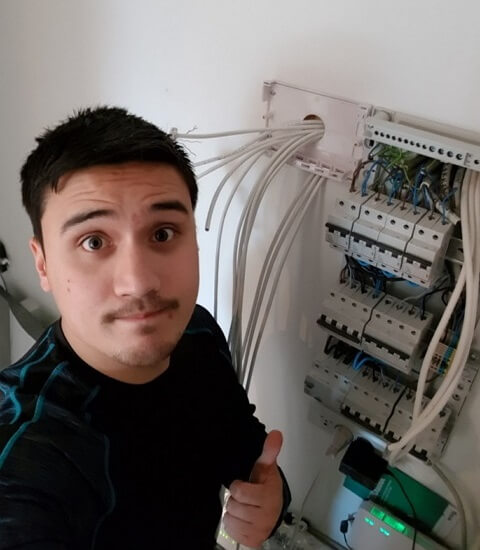 Simon - Electrician
