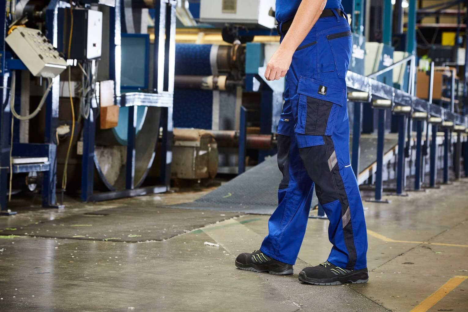 Work Trousers & Safety Shoe - Environment